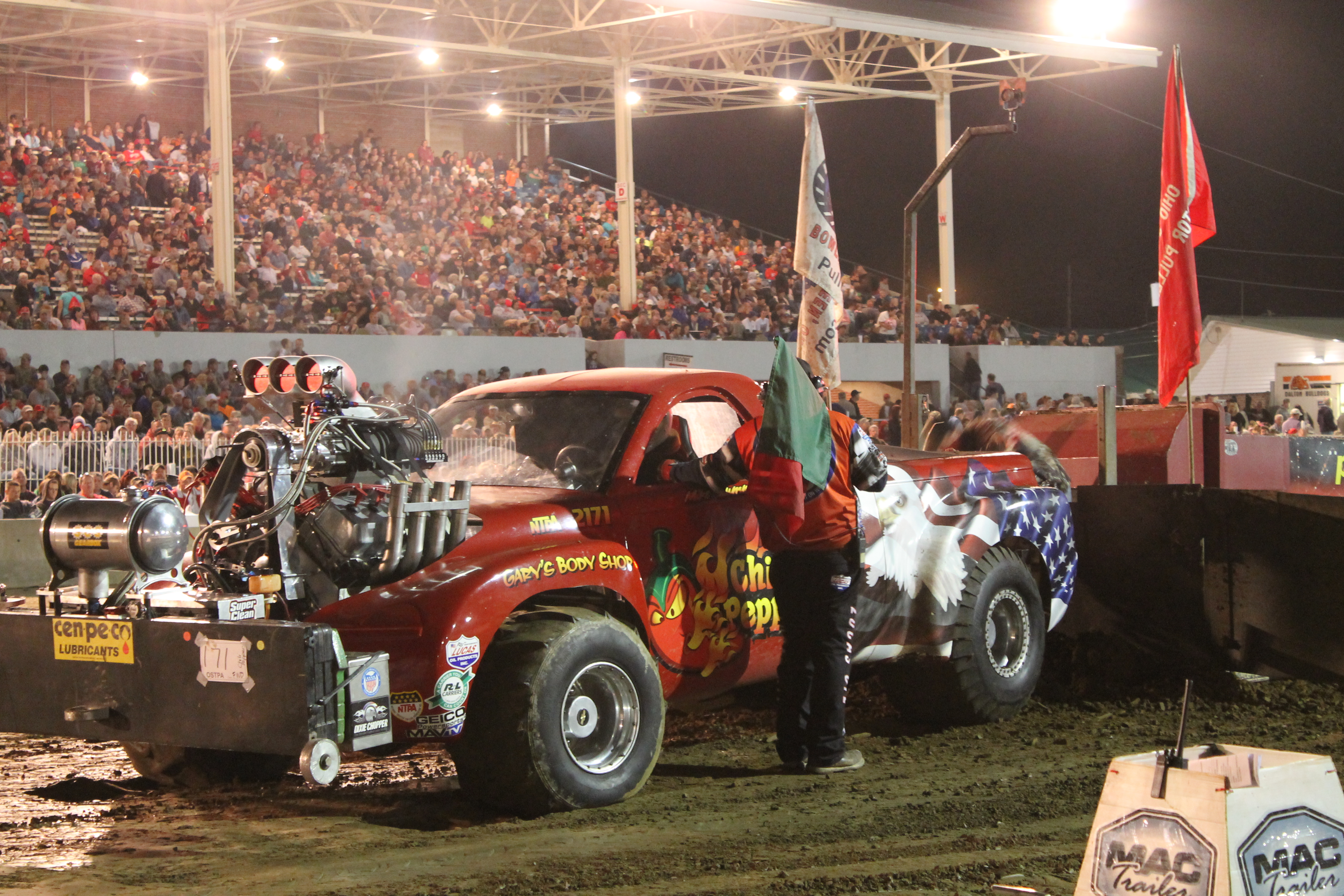 Summers' truck pulling is 'red hot' and 'twisted' - Farm and