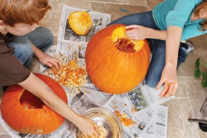 cleaning inside out of pumpkins