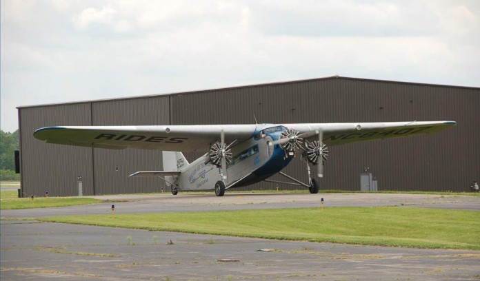 1929 Ford 4-AT plane