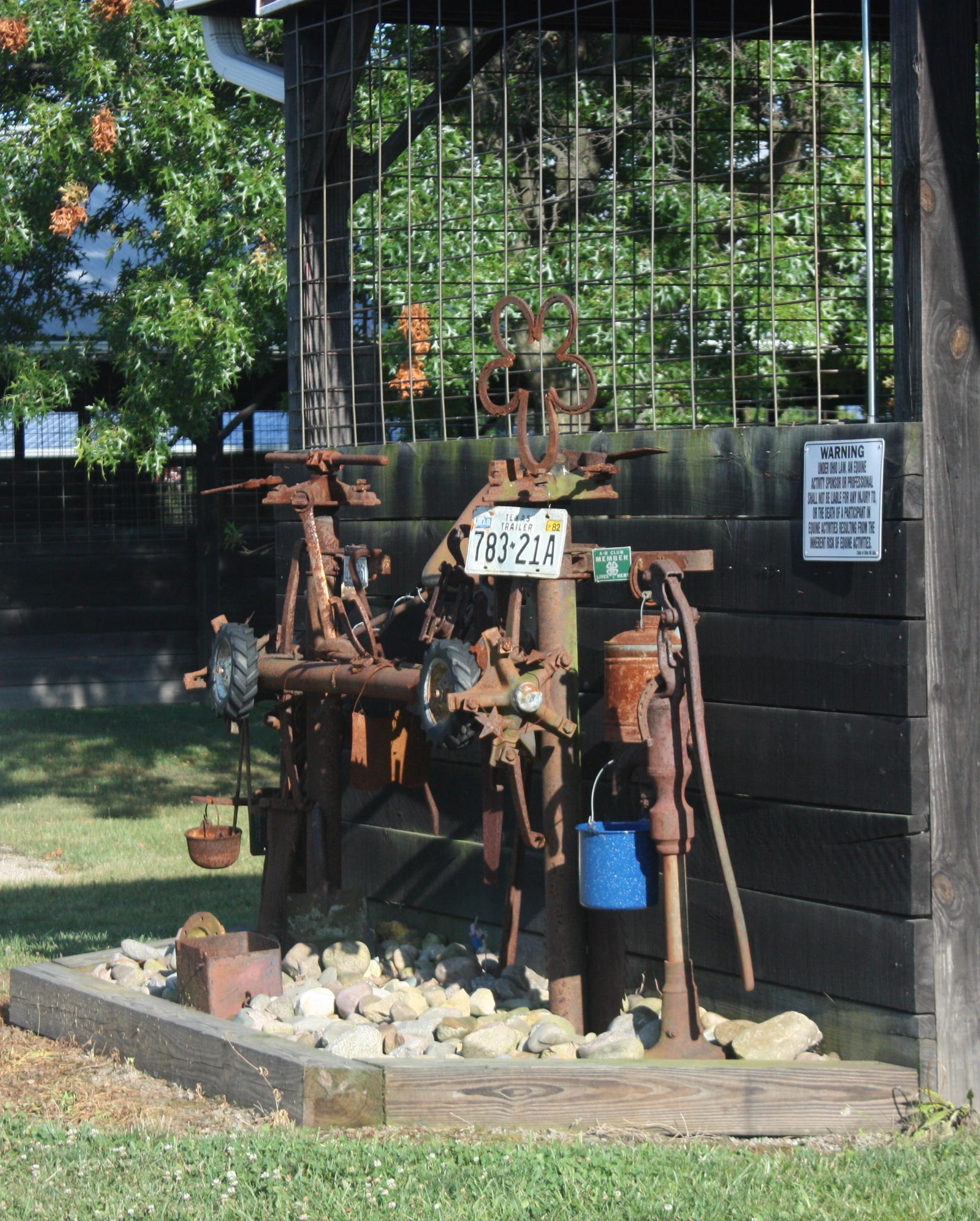 Barshoe hitching post
