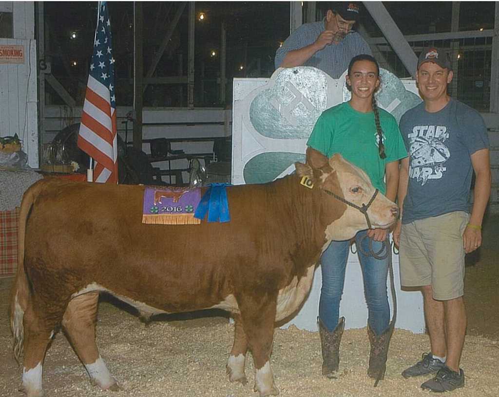 Cuyahoga grand champion chicken pen
