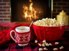 hot coco and popcorn